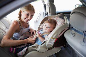 Siguranta copiilor in masina inseamna scaune auto
