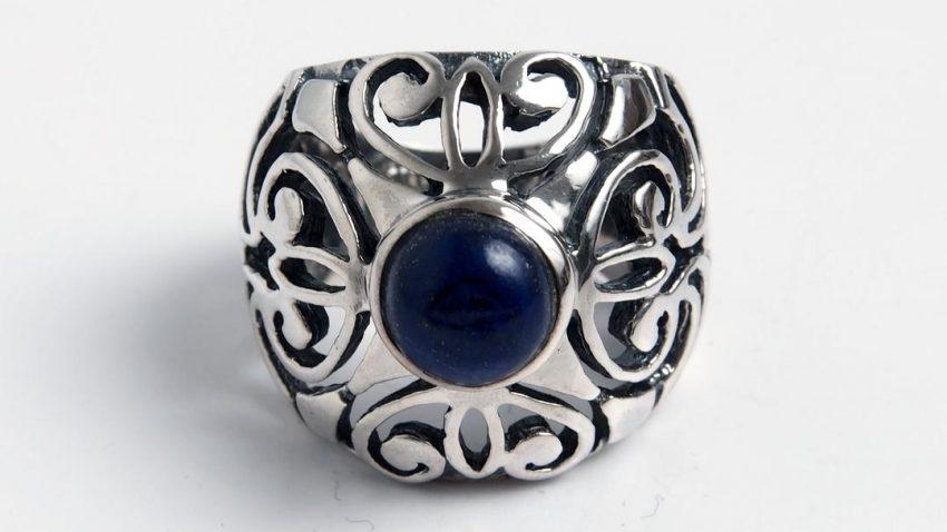 Poarta bijuterii cu stil